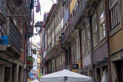walking the narrow streets of the Ribeira